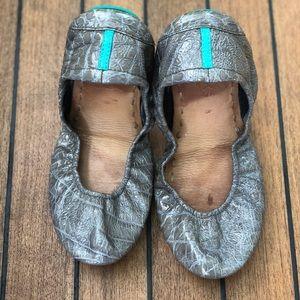 Slate Grey Croc Tieks, Size 8